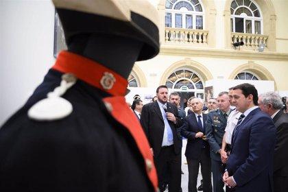 El Patio de Luces de Diputación acoge la mayor exposición de indumentaria de la Guardia Civil