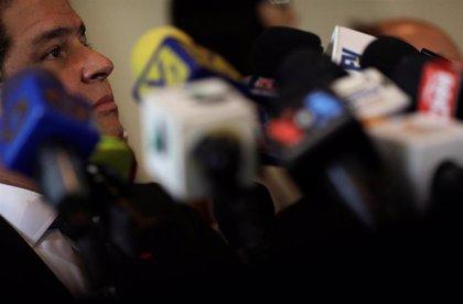 """El diputado opositor Luis Florido anuncia que está en Colombia """"para no permitir otro 'show' del régimen"""" de Venezuela"""