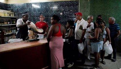 Cuba restringe la venta de alimentos por la crisis económica y las sanciones de EEUU