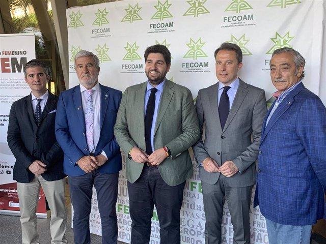 """López Miras destaca la importancia del movimiento asociativo agrario, """"motor fundamental de la economía regional"""""""