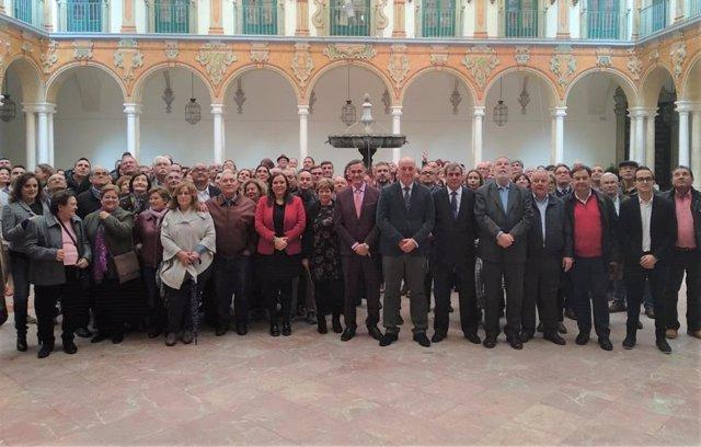 Ruiz (centro), conrepresentantes y vecinos de Fuente Carreteros y La Guijarrosa