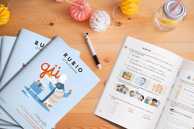 """Rubio lanza sus primeros cuadernos de ortografía porque """"todos hemos empeorado"""" a la hora de escribir"""