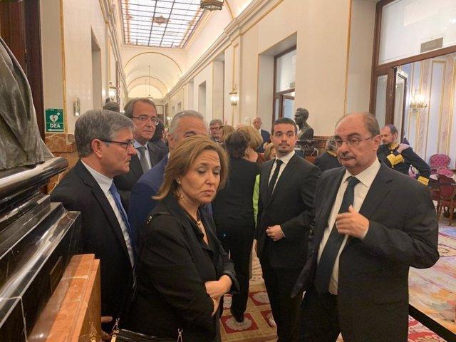 """Lambán asegura que le costará seguir haciendo política sin tener """"al otro lado del teléfono"""" a Alfredo Pérez Rubalcaba"""