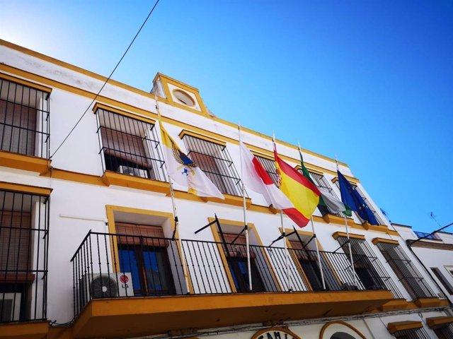 Sevilla.- PSOE de Coria acusa al alcalde de incumplir el luto oficial por la muerte de Rubalcaba al no bajar la bandera