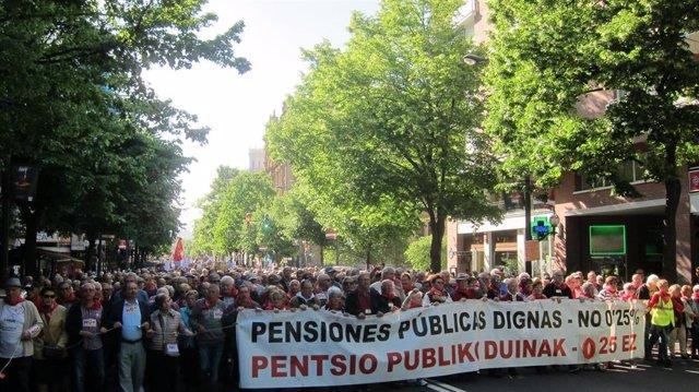 Miles de pensionistas se manifiestan en Euskadi ya que el resultado del 28A no garantiza que se cumplan sus demandas