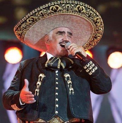 Las críticas en redes hacia Vicente Fernández, el cantante que rechazó un órgano por miedo a que fuera de un homosexual