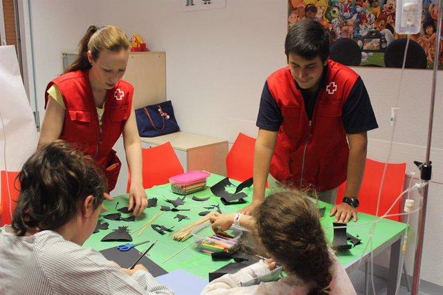 Cruz Roja Juventud en Valladolid acompaña a más de 400 niños y jóvenes hospitalizados