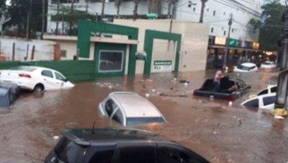 Recogen unos 100.000 kilos de basura en Paraguay tras las inundaciones por un temporal