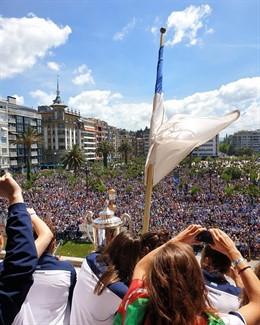 San Sebastián rinde homenaje al equipo de la Real Sociedad femenino tras su victoria en la Copa de la Reina