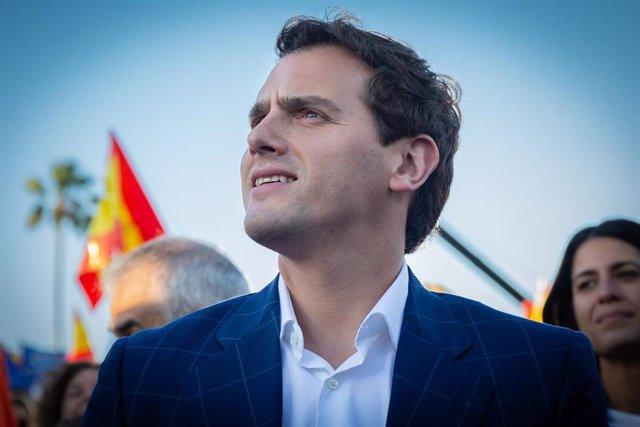 VÍDEO:Rivera promete que Ciudadanos bajará los impuestos en las comunidades en l