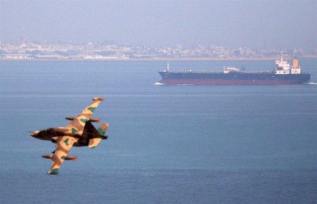 AMP.- Irán.- Irán amenaza con cerrar el estrecho de Ormuz si se aplican restricciones a sus exportaciones de petróleo