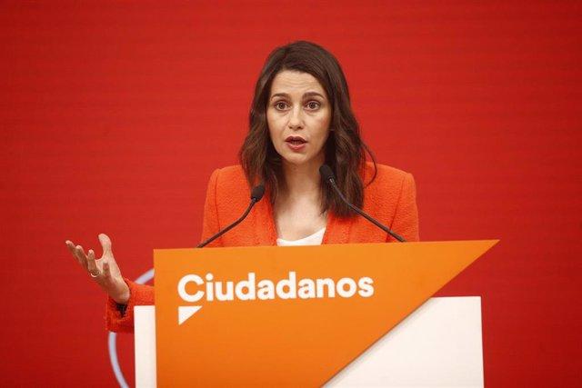 """26M.- Arrimadas a Puigdemont: """"Si das un golpe de Estado no puedes representar al Estado"""""""