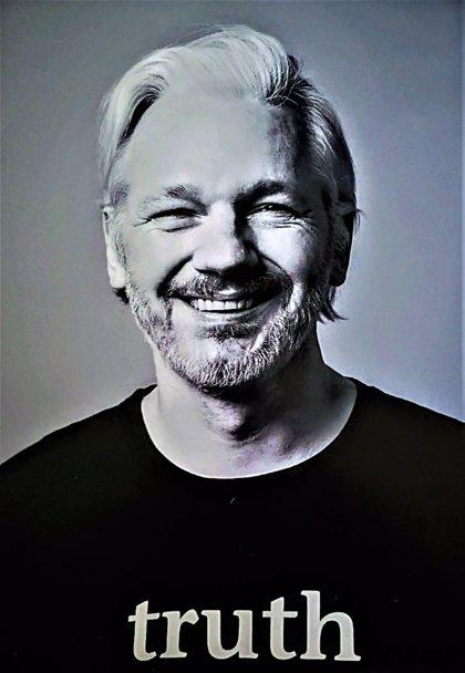 Ecuador entregará las pertenencias que Assange dejó en la embajada de Londres a EEUU