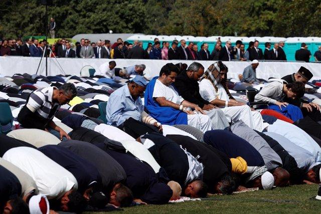 N.Zelanda.- Nueva Zelanda guarda dos minutos de silencio en memoria de las víctimas del atentado