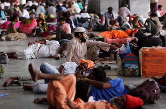 India.- Modi promete la ayuda del Gobierno a los afectados por el ciclón en el este de India