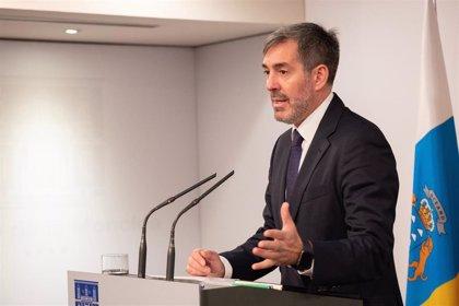 """Clavijo se desmarca de CEOE-Tenerife y cree que """"es posible"""" bajar el paro hasta el 12% en la próxima Legislatura"""