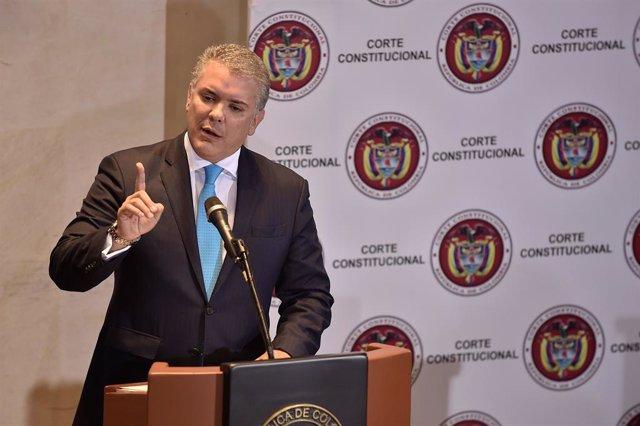 """Duque acusa a Maduro de dar apoyo material al ELN y """"estimular"""" el reclutamiento de niños"""