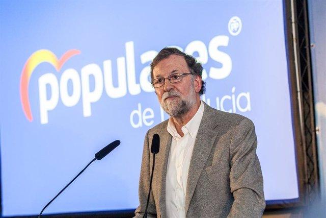 Mariano Rajoy participa en un mitin en La Nucia (Alicante) junto a la presidenta