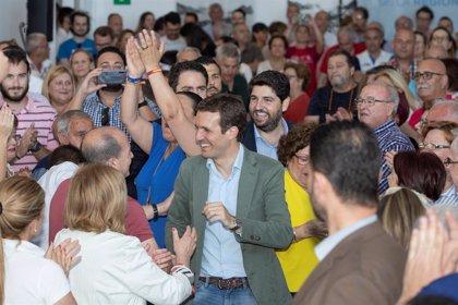 """Casado: """"No creo que Aznar sea más de derechas que Rajoy"""""""