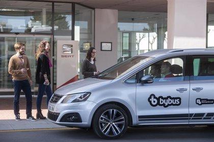 Seat prueba 'bike sharing' y un servicio de coche compartido con conductor en la planta de Martorell