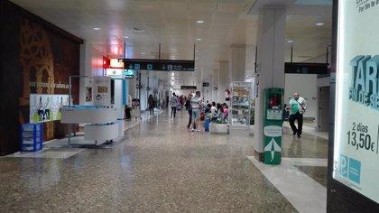 El Aeropuerto de Asturias acogió el primer cuatrimestre 391.579 pasajeros, un 3,8% menos