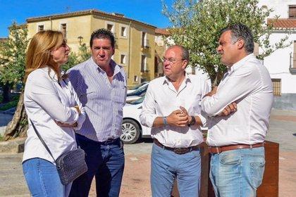 Monago pregunta al PSOE si cuenta con él para pedir juntos al Gobierno un sistema fiscal especial para Extremadura