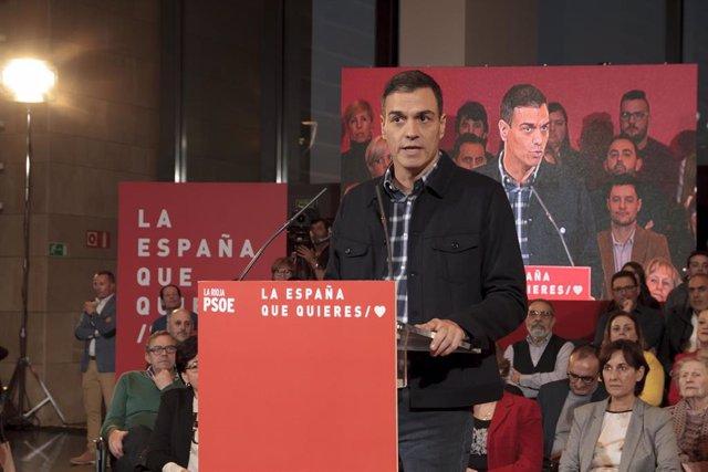 Pedro Sánchez en un acto público de Logroño