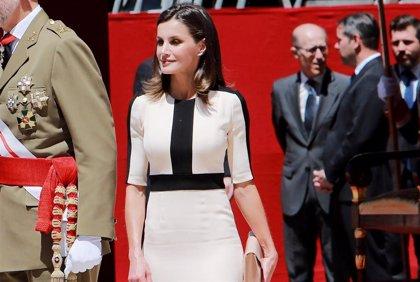 La Reina Letizia y su favorecer truco para estilizar la figura