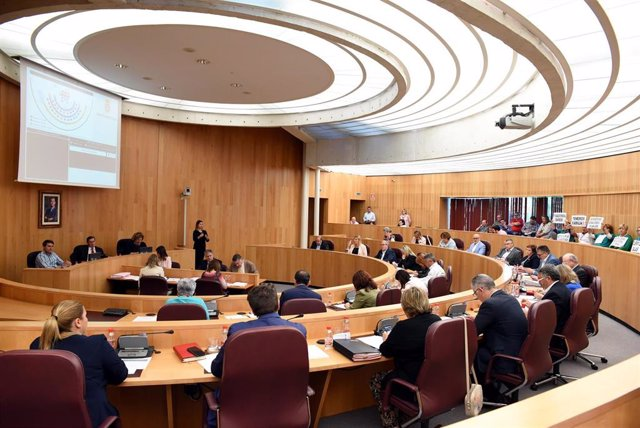 Granada.- Diputación incrementa sus fondos con donaciones de Carlos Manso, 'Seisdedos', Zurita, Gorafe y Algarra