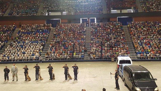"""Málaga.- La Policía Nacional se exhibe ante menores: """"Es fundamental que nos vean como referentes de ayuda y seguridad"""""""