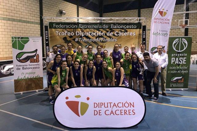 El Reale Baloncesto Navalmoral y el CB Al-Qázeres, vencedores del Trofeo Baloncesto Diputación de Cáceres