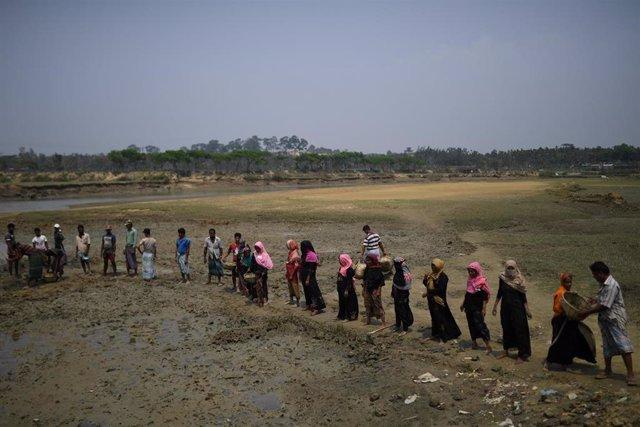 Birmania.- Los milicianos rohingyas condenan la violencia en los campos de refugiados de Bangladesh
