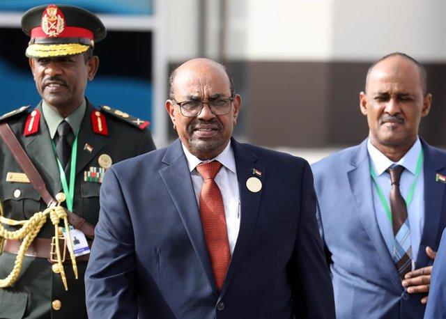 AMP.- Sudán.- La Fiscalía sudanesa investiga a Al Bashir por blanqueo de capitales