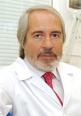 La Sociedad Española de Neurocirugía otorga la 'Medalla de Oro 2019' al doctor Francisco Villarejo