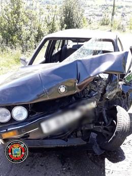 Herida de gravedad una joven de 22 años y leve un menor de 17 años en una colisión frontal en Heras