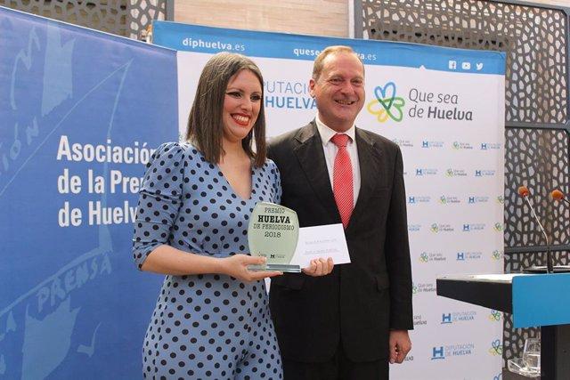 Huelva.- La periodista Raquel Rendón recoge el Premio Huelva de Periodismo por su artículo 'Anatomía del Gran Incendio'