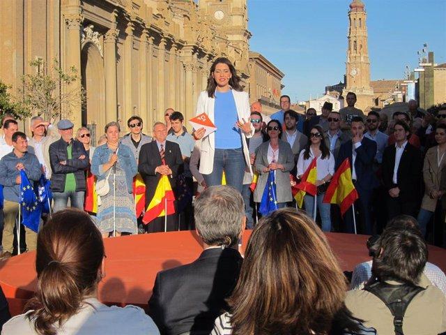 """26M.-Arrimadas pide el voto para Cs porque es la """"oportunidad de parar al sanchi"""