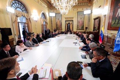 """Maduro se reúne con representantes de la ONU para impulsar un """"sistema de protección social"""" en Venezuela"""