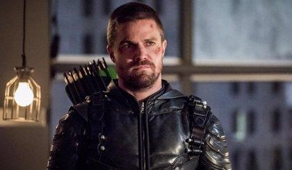 Así abre la puerta el final de la 7ª temporada de Arrow a Crisis en las Tierras Infinitas
