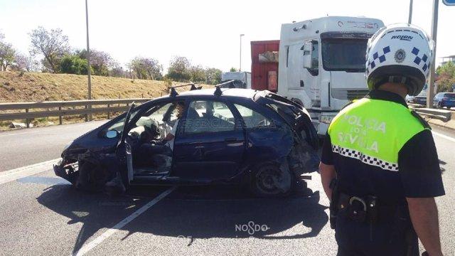 Sevilla.-Retenciones de más de cinco kilómetros en la SE-30 por un accidente en el tramo previo al puente del Centenario