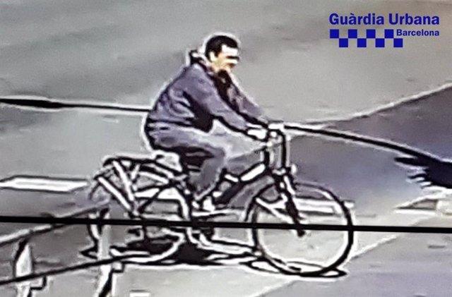 Sucesos.- Publican una nueva fotografía del ciclista que huyó tras un atropello grave en Barcelona
