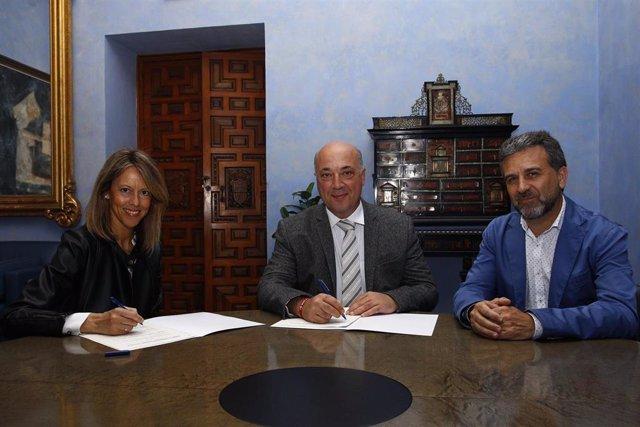 CórdobaÚnica.- La Diputación y Vinavin renuevan su compromiso para la promoción de vinos y vinagres de la provincia