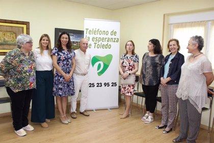 Ana Pastor promete al Teléfono de la Esperanza elevar al Congreso un plan nacional de prevención del suicidio