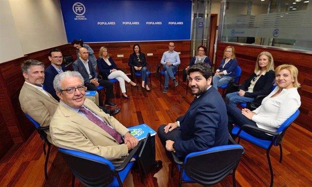 26M.- PP Propone Hasta 10.000 Euros De Ayuda A Quienes Contraten Indefinidamente A Mujeres Con Hijos Menores De 4 Años