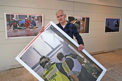 'El Espolón' de Comillas acoge la muestra fotográfica de los 20 años del 112