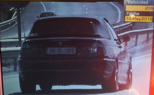 Sucesos.- Policía Foral imputa a conductor por circula a 209 km/h en la A-12 y dar positivo en drogas