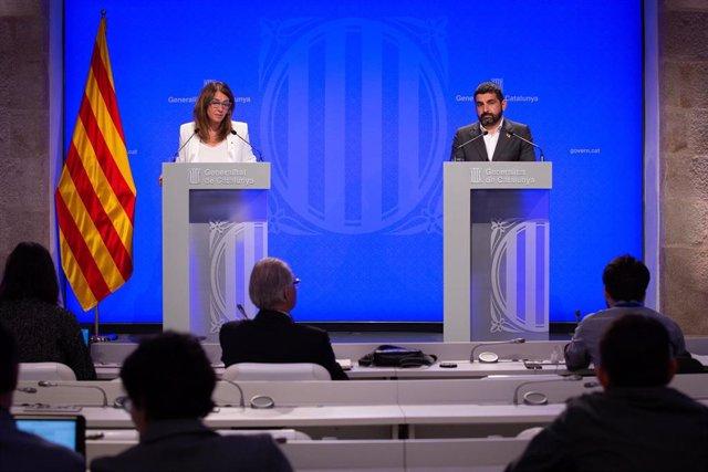 Meritxell Budó I Chakir El Homrani En Rueda De Prensa Tras El Consell Executiu