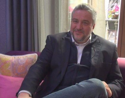 """Álex Rovira: """"Es muy importante que la pareja siga siendo pareja, aunque sean padre y madre"""""""