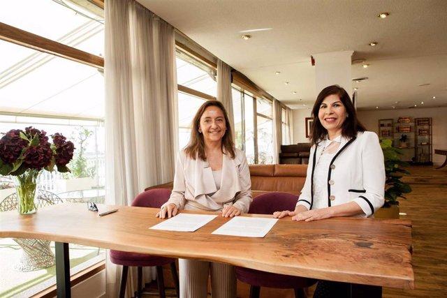 Puertos.-Trasmediterránea firma un acuerdo para llevar material escolar y médico a Marruecos desde Almería y Málaga