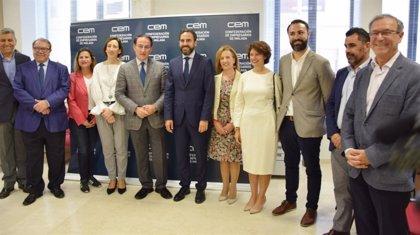 """PSOE presenta ante la CEM su modelo de ciudad """"para diversificar la economía de Málaga y mejorarla"""""""